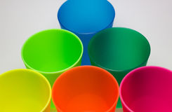 Copos plásticos coloridos Imagens de Stock Royalty Free