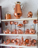 Copper utensils in souvenir shop Royalty Free Stock Photography