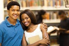 Coppie africane dell'istituto universitario Immagine Stock