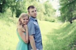 Coppie amorose tenere Fotografie Stock Libere da Diritti
