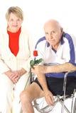 Coppie anziane felici di handicap immagini stock libere da diritti