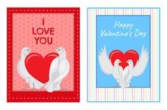 Coppie bianche delle colombe con le illustrazioni del cuore messe Fotografia Stock