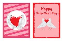 Coppie bianche delle colombe con le illustrazioni del cuore messe Fotografia Stock Libera da Diritti