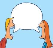 Coppie che dividono fumetto vuoto che ha una conversazione Immagine Stock