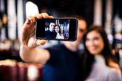 Coppie che prendono un selfie Immagine Stock Libera da Diritti