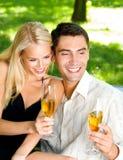 Coppie con champagne fotografie stock