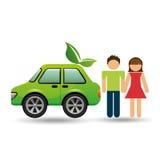 Coppie con progettazione di verde dell'automobile di eco Fotografia Stock