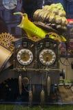 Coppie d'annata gli orologi e la grande lumaca immagine stock libera da diritti