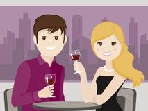 Coppie degli amanti che tostano in un ristorante Immagine Stock