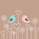 Coppie degli uccelli svegli con i fiori ed i cuori illustrazione di stock