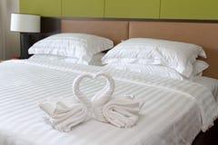 Coppie del cigno dell'asciugamano Fotografie Stock