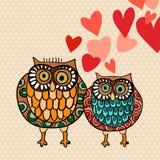 Coppie del gufo del biglietto di S. Valentino nell'amore royalty illustrazione gratis