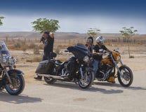 Coppie del motociclista sulla motocicletta Immagini Stock Libere da Diritti