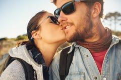 Coppie di amore su un aumento Fotografie Stock
