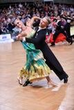 Coppie di ballo da sala, ballanti alla concorrenza Fotografia Stock