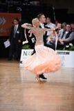 Coppie di ballo da sala, ballanti alla concorrenza Immagine Stock