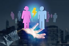 Coppie di un uomo e di una riunione della donna su Internet - renderi 3D Immagini Stock Libere da Diritti