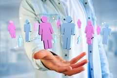 Coppie di un uomo e di una riunione della donna su Internet - renderi 3D Immagine Stock