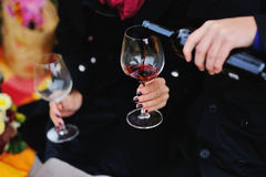 Coppie e vino rosso Fotografie Stock