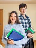Coppie felici dello studente fotografie stock libere da diritti