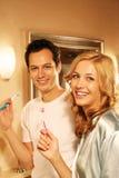 Coppie felici nel bagno Fotografie Stock Libere da Diritti