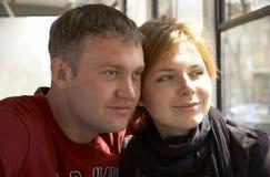 Coppie felici sorridenti Fotografie Stock Libere da Diritti