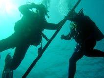 Coppie gli operatori subacquei Fotografie Stock Libere da Diritti