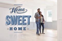 Coppie ispane nella loro nuova casa dolce casa Fotografia Stock Libera da Diritti