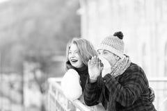 Coppie mature positive che esprimono sorpresa immagini stock
