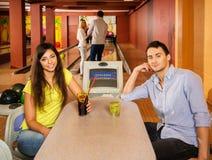 Coppie nel club di bowling Fotografia Stock Libera da Diritti