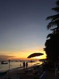 Coppie nel tramonto, Filippine Fotografie Stock Libere da Diritti