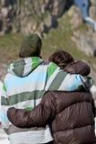 Coppie nelle montagne Immagine Stock Libera da Diritti
