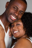 Coppie nere sorridenti Fotografie Stock Libere da Diritti