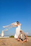 coppie Nuovo-sposate in vacanza Fotografia Stock Libera da Diritti