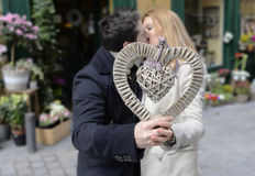 Coppie romantiche nell'amore che celebra anniversario Fotografia Stock Libera da Diritti