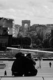 Coppie romantiche a Parigi, Francia Fotografia Stock