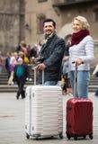 Coppie senior che fanno un giro turistico Immagine Stock Libera da Diritti