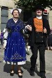 Coppie senior in costumi bretoni tradizionali, Quimper, Bretagna, Francia di nord-ovest Immagine Stock