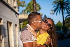 Coppie sorridenti felici nell'amore Fotografia Stock Libera da Diritti