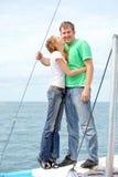 Coppie sull'yacht Immagini Stock