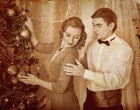 Coppie sulla festa di Natale Fotografia Stock