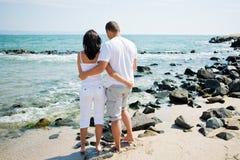 Coppie sulla spiaggia Fotografia Stock Libera da Diritti