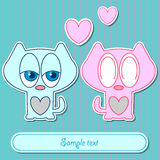Coppie sveglie della scheda romantica dei gattini Fotografia Stock