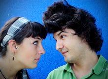 Coppie teenager che confrontano Fotografia Stock
