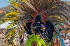 Copricapi messi le piume a Ceremonial immagine stock libera da diritti