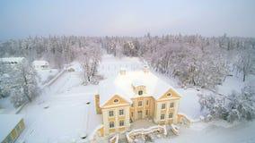 Copter chwyta śnieg zakrywającego miasto zbiory