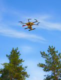 Copter flying in the sky Royalty Free Stock Photos