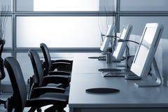 Coputers в офисе ИТ Стоковая Фотография