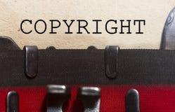 Copyright a dactylographié sur un vieux papier de vintage Image libre de droits