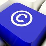 Copyright Komputerowy klucz W Błękitnym seansu znaku firmowym Lub patencie zdjęcia stock